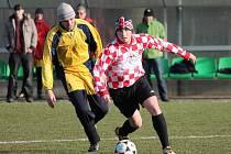 Sokol  Hradešice (žluté dresy)  –  Start VD  Luby 0:3