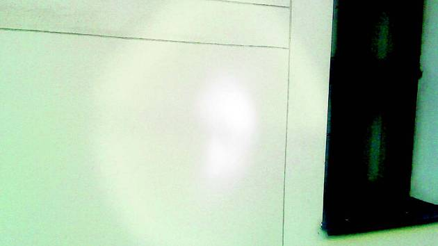 Přízrak vyfotografovaný na klatovské radnici.