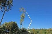 Instalace hnízda pro orly mořské v Kolinci na Klatovsku.