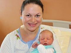 Jakub Polák ze Sušice (3670 g, 53 cm) se narodil v klatovské porodnici 10. dubna v 19.29 hodin. Rodiče Jiřina a Antonín si nechali pohlaví miminka jako překvapení. Na brášku se těší Toník (6).