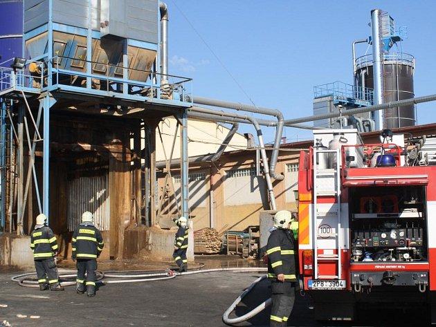 Požár sila ve firmě Holz Schiller, s.r.o. v Klatovech.
