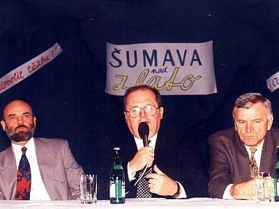 Boj proti průzkumu zlatonosných ložisek a případné těžbě tohoto cenného kovu se na Šumavě rozpoutal i v 90. letech.
