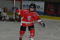 Minihokej 3. tříd: HC Klatovy (v červeném) - TJ DDM Rokycany 18:16.