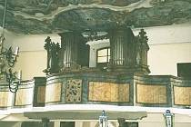 Před sedmi lety byla dokončena generální oprava varhan v chudenickém kostele, kterou uskutečnil Petr Nožina.