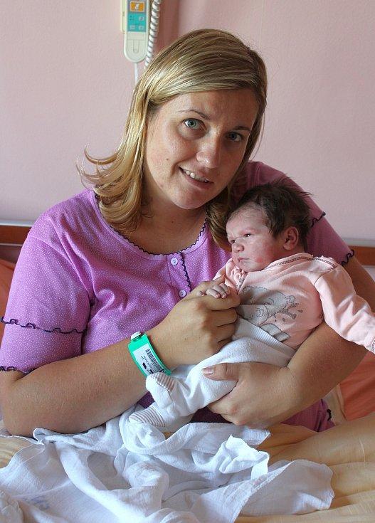 Adina Polívková ze Šťáhlav se narodila v plzeňské porodnici na Lochotíně 31. srpna v 8:49 hodin. Rodiče Andrea a Jan věděli dopředu, že jejich prvorozené miminko bude holčička.