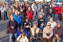 Shromáždění proti elektrárně v Dlouhé Vsi