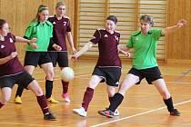 Snímky ze zápasu Chanovice (v červeném) vs. Neznašovy (zelené dresy) a Plánice (oranžové) vs. Dnešice (ve žlutém).