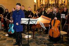 Adventní koncert Pavla Šporcla a žáků ZUŠ Horažďovice a orchestru Pellant Collegium v Horažďovicích 14. 12. 2013