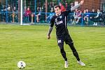 Fotbalisté TJ Měcholupy (na archivním snímku hráči v černých dresech ze zápasu letošní sezony proti SK Bolešiny) deklasovali Štěnovice 8:0.