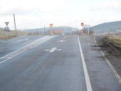 Křižovatka na Bukováku bez zábran