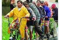"""TÝM """"HANESE"""" Zahuta předvedl, že pro desetikolo je souhra cyklistů nezbytná."""