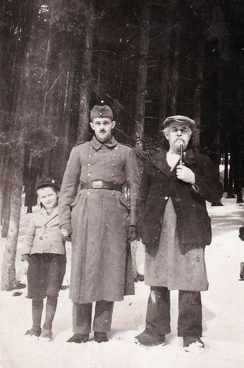 Friedrich Reithmeier se svým otcem a dědečkem.