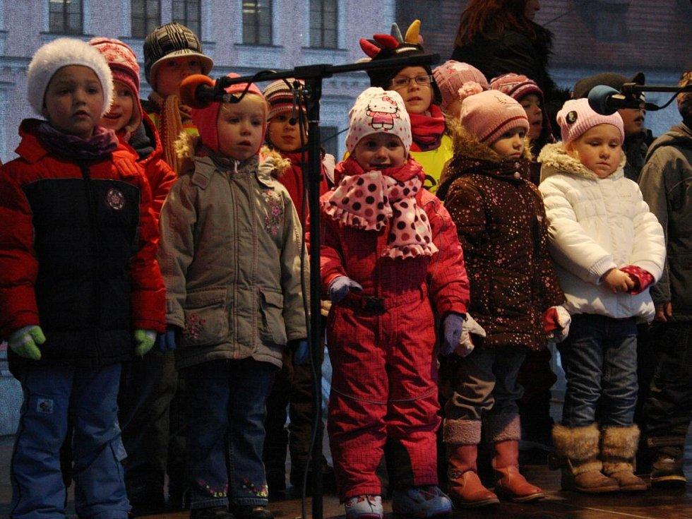 Vánoční zpívání na klatovském náměstí