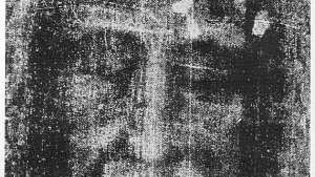 Tvář z Turínského plátna, která je nejlépe vidět na fotografickém negativu.