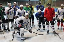 Hokejisté HC Klatovy absolvovali 4. srpna první trénink na ledě.