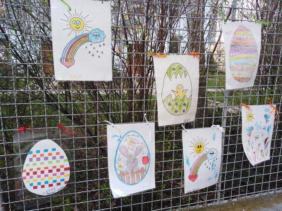 Velikonočně ozdobené mateřské školy v Klatovech.