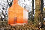 Oranžová kaple, která bude na Křesťanském vrchu v Klatovech.