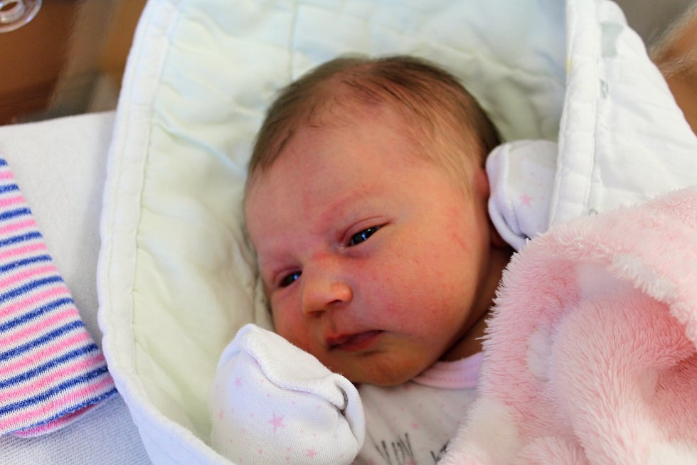 Amelie Krausová zPlzně se narodila vklatovské porodnici 5. srpna ve 2:16 hodin (3430 g, 47 cm). Rodiče Barbora a Luděk dopředu věděli, že jejich druhorozeným miminkem bude holčička. Doma se na malou sestřičku těší Agatha (2,5).
