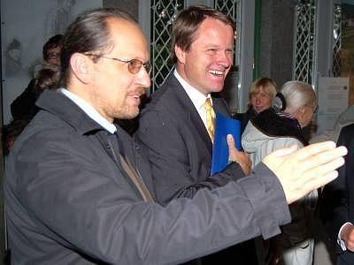 Martin Bursík na snímku s ředitelem šumavského parku Františkem Krejčím