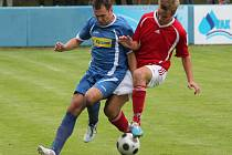 Fotbalisté Klatov (v červeném) doma zdolali Luby 4:0.
