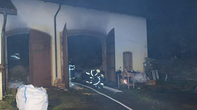 Požár v Týnci u Klatov.