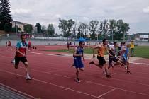 Na krajském mistrovství v Písku se klatovští atleti a atletky rozhodně neztratili. V pěkném počasí vybojovali řadu medailí a vylepšili si osobní rekordy.