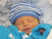 Dominik Milčák z Chlumčan (2800 g) se narodil v klatovské porodnici 23. května v 10.38 hodin. Rodiče Lenka a Petr přivítali očekávaného syna na světě společně. Na brášku se těší Julinka (3).