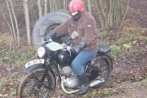 Závěr motocyklové sezony v Pačejově obstarala soutěž pro motocykly české výroby do roku výroby 1970.