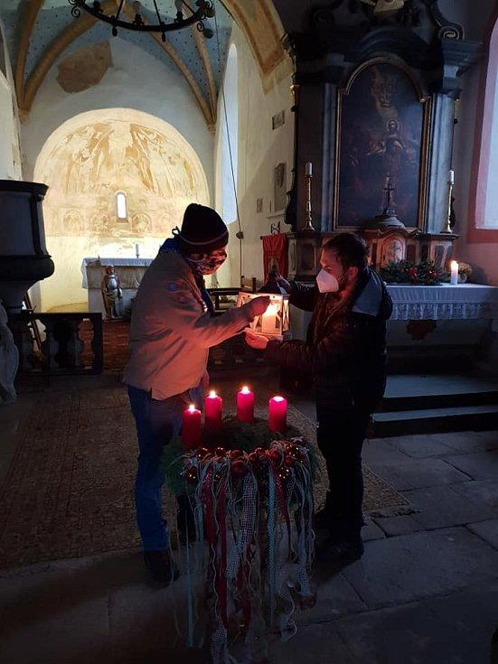 Betlémské světlo na Mouřenci.