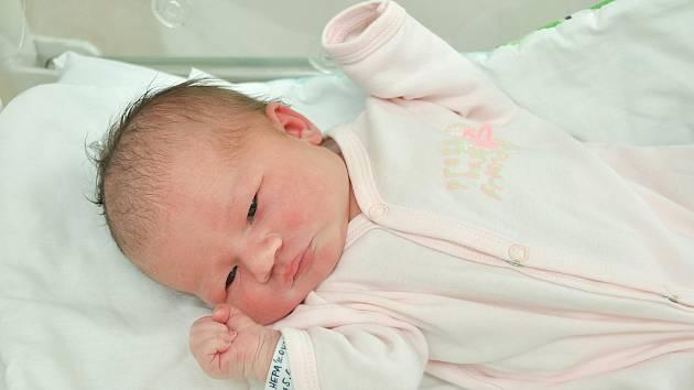Emma Hepáková ze Sušice (3570 g) se narodila ve strakonické porodnici 5. června v 10.20 hodin. Na Emmu se těšili rodiče Nikola a Marcel a sestřička Anetka (6).