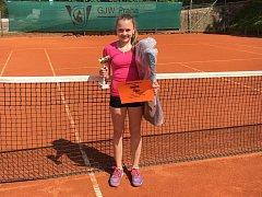 Simona Kadlecová z LTK Klatovy vyhrála oblastní přebor dorostenek a pojede na mistrovství ČR.