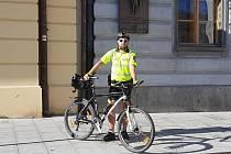 Strážník David Kubík, jeden ze členů cyklohlídky klatovské městské policie.