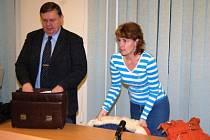 Jiřina K. se svým  právním zástupcem na lavici obžalovaných