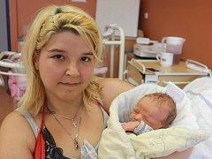 Jan Mareš z Tajanova (3710 g, 52 cm) přišel na svět v klatovské porodnici 11. července v 17.19 hodin. Rodiče Marie a Václav věděli, že se jim narodí chlapec. Na brášku se těší Kubík (6) a Vašík (2).