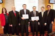 Gymnázium Sušice převzalo cenu za nejlepší webovou stránku příspěvkové organizace.
