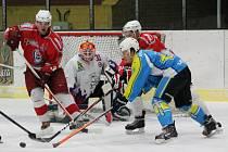 Krajská liga mužů: HC Klatovy B (červené dresy) - TJ Apollo Kaznějov 6:8