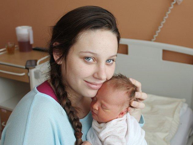 Viktorie Křížová z Klatov (3280 g, 50 cm) přišla na svět v klatovské porodnici 20. ledna ve 13.41 hodin. Svoji dceru přivítali na svět rodiče Alžběta a Jan společně. Doma na sestřičku čeká bráška Michal (3).
