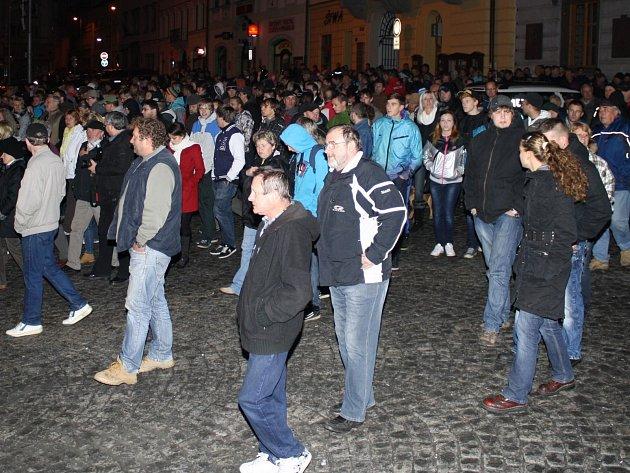 Shromáždění proti nepřizpůsobivým na klatovském náměstí