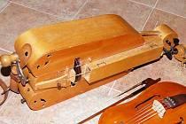 Historické nástroje představila na Klenové skupina Holba