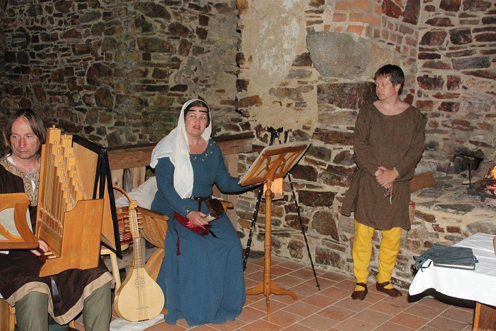 K vidění byli středověcí hudebníci.