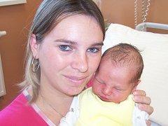 Jaroslav Pechek ze Sušice (3750 g, 51 cm) se narodil v klatovské porodnici 19. října v 9.53 hodin. Rodiče Jiřina a Jaroslav věděli, že Terezce (4 roků) přinesou domů brášku.