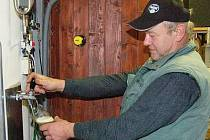Jan Benada vaří vlastní pivo v Mačicích na Sušicku.