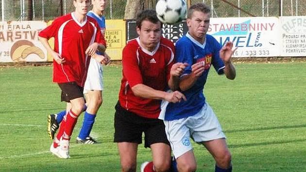 V derby porazily Luby (červené dresy) Nýrsko 3:0.