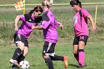 Snímky z 11. kola Dívčí amatérské fotbalové ligy