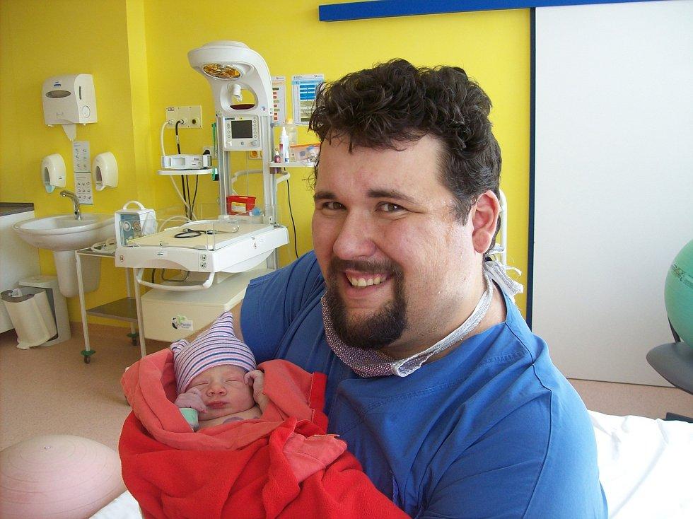 Lucie Mastná z Kolovče se narodila v klatovské porodnici 19. června v 10:37 hodin (2960 g, 50 cm). Pohlaví svého prvorozeného miminka věděli rodiče Ivana a Libor předem.