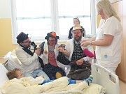 Do Klatovské nemocnice zavítali v úterý 25. dubna Zdravotní klauni.