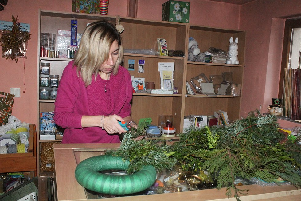 Výroba adventního věnce s Martinou Raiserovou.