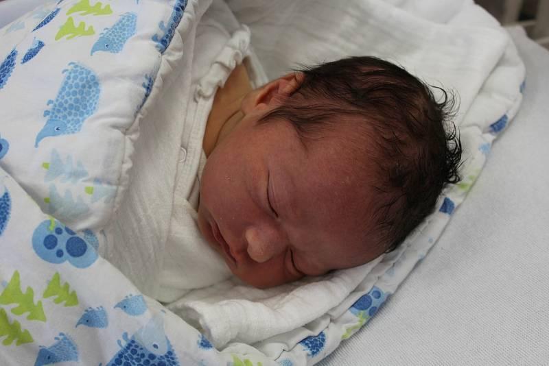 Artur Hamaniuk zKlatov se narodil vklatovské porodnici 20. září v9:55 hodin. Pohlaví svého prvorozeného miminka (3880 g, 52 cm) věděli rodiče Svetlana a Alexander dopředu.