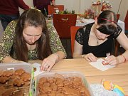 V tvrzi v Dešenicích se v sobotu 8. dubna konalo tradiční velikonoční tvoření.