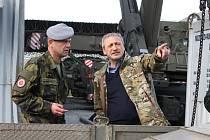 Ministr obrany Martin Stropnický zavítal do klatovských kasáren.
